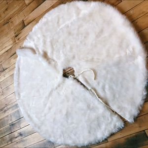 Christmas Faux Fur Round Tree Skirt Large